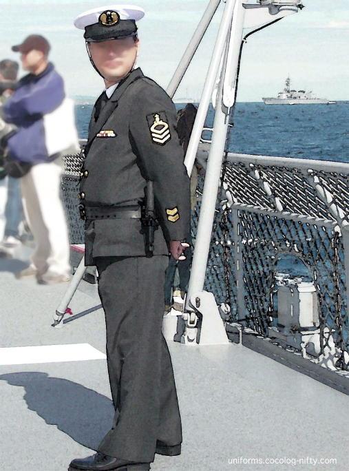 海自の警務隊: UNIFORMS 制服軍服ブログ